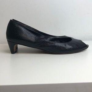 Vintage black leather snakeskin kitten heels 9 N